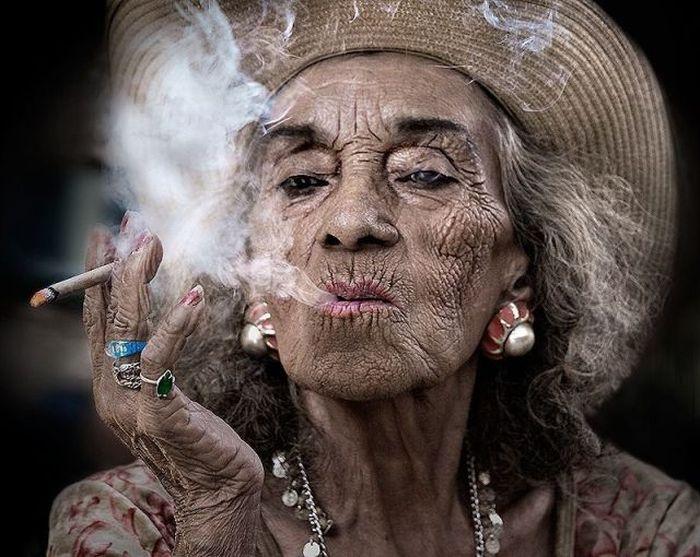yaşlandıkça sigaranın etkisi artıyor