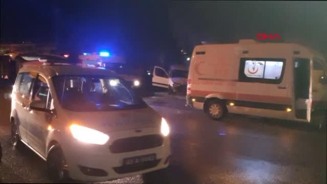 KÜTAHYA Ağaca çaptan araçtaki 2 kişi yaralandı