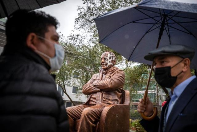 Başkan Soyer, Bekir Coşkun heykeline saldırıyı kınadı