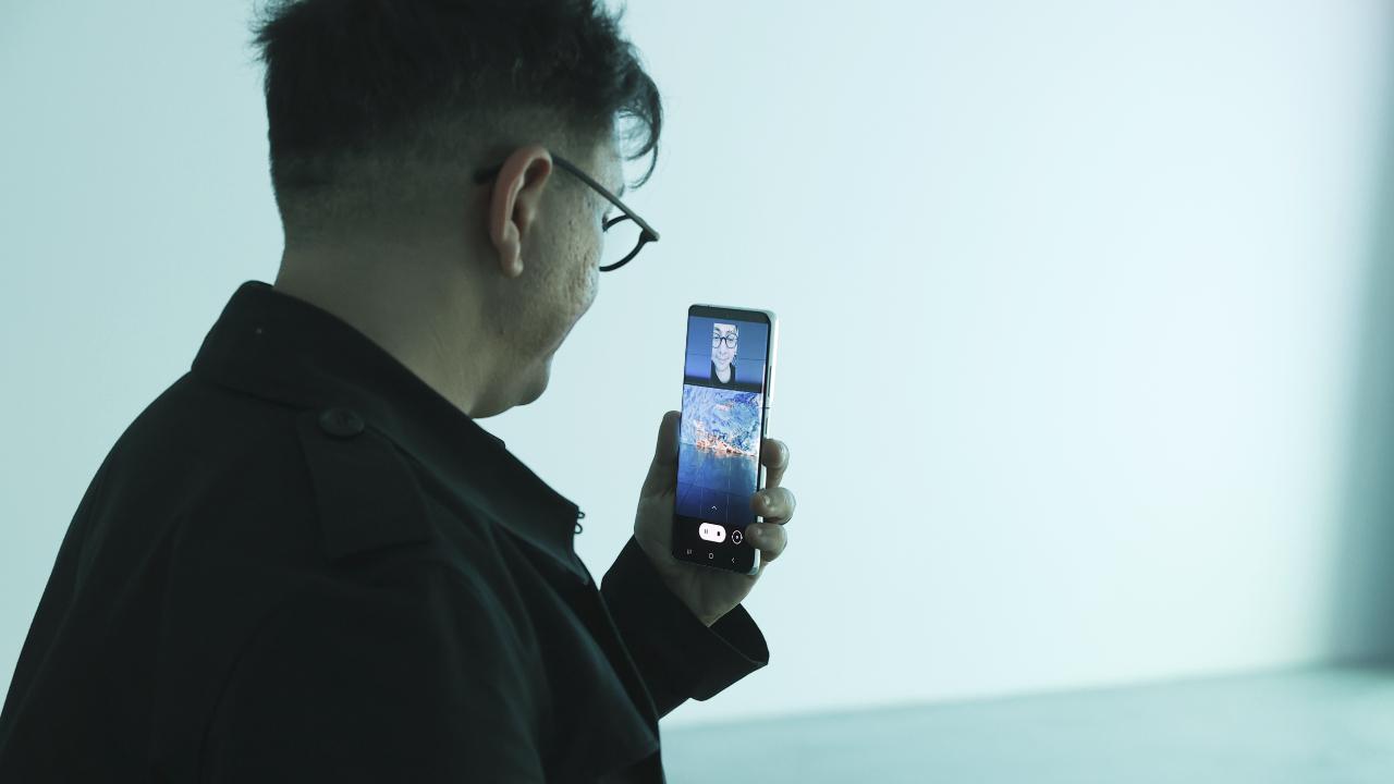 Galaxy S21 Serisi sunar: Makine Hatıraları Uzay sergisi Samsung, teknoloji ve sanat arasında köprü olma görevini yine önemli bir dijital sergiye sponsor olarak…